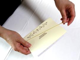 結婚式招待状組み立て方